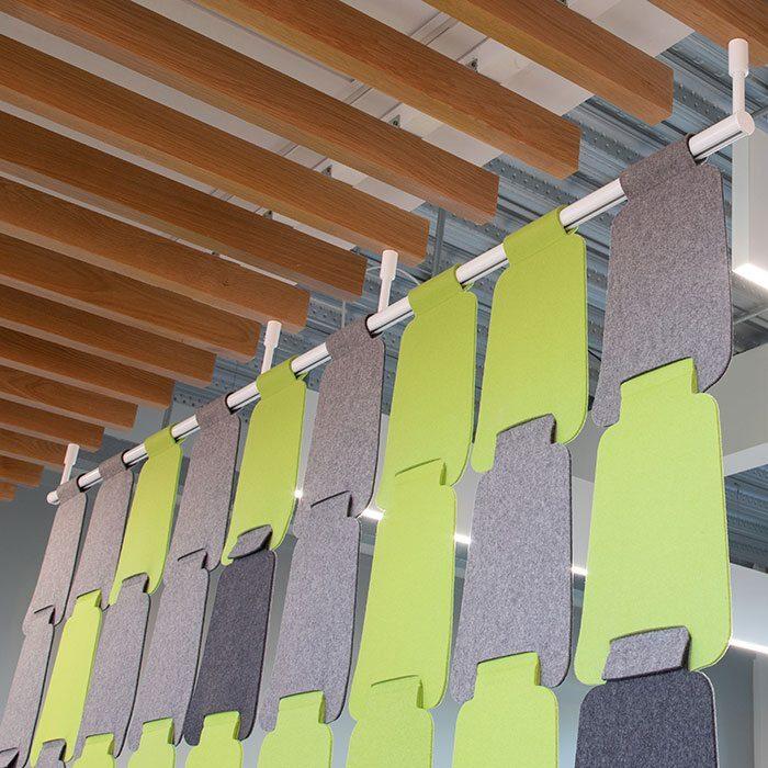cascade hanging screen